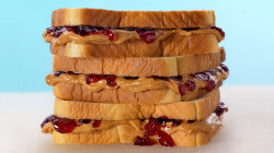 Is there a wrong way to make a PB&J? The internet says 'yes'