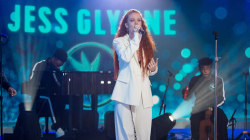 Jess Glynne performs her song 'I'll Be There' live on TODAY