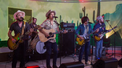 The Wild Feathers perform 'Stand By You' live on TODAY
