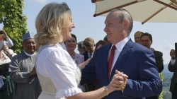 Putin dances at Austrian foreign minister's wedding