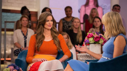 Model Robyn Lawley posts photo of injuries from a seizure, talks about embracing her scars
