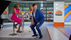 Jerry O'Connell shows KLG and Hoda his go-to dance move