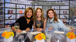 KLG and Hoda play Celebrity Swipe with Shania Twain