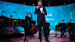 Brett Eldredge sings 'Have Yourself a Merry Little Christmas' on TODAY