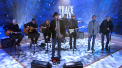 Trace Adkins sings 'I'll Be Home for Christmas' live on TODAY