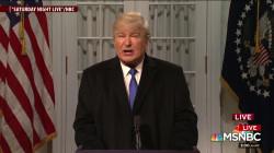 Baldwin spoofs Trump in SNL cold open