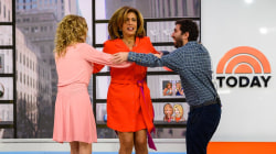 What's 'the triangle'? KLG and Hoda learn the new viral dance