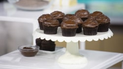 Healthier dessert recipes: Make Joy Bauer's milkshake and cupcakes