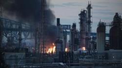 Massive explosion erupts at Philadelphia refinery