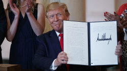 Trump signs executive order for health care transparency