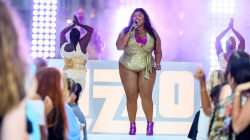 Watch Lizzo sing 'Soulmate' live on TODAY