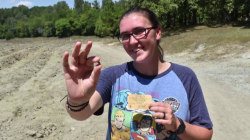Woman finds large diamond in California state park