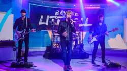 Watch Baylee Littrell sing 'Boxes' live on TODAY