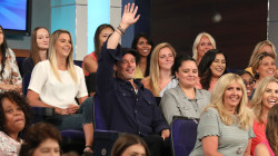 Brad Pitt surprises Ellen by sitting in show audience