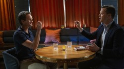 Neil Patrick Harris blows Willie's mind with a card trick