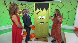 4 ways to decorate your door for Halloween