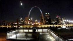 Videos appear to show meteor streaking across Missouri sky