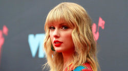 Taylor Swift doubles down on allegations against her former music label