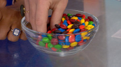 Hoda and Jenna try Kim Kardashian West's M&M's hack