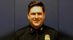 1 officer in Houston, another in Arkansas killed in overnight shootings