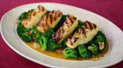 Miso-roasted sea bass with broccoli: A delicious way to cut carbs