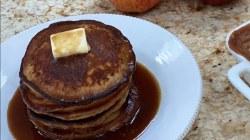 Sandra Lee makes applejack pancakes, applesauce granola crisp, sangria