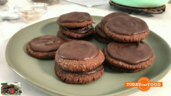 Danny Seo makes guilt-free paleo Thin Mints