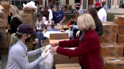 Houston food banks are in disaster mode: Learn how you can help