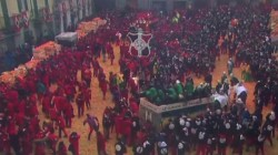 Watch giant food fight conducted with oranges in Italy