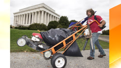 Dutiful citizen keeps DC memorials tidy during shutdown