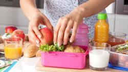 How to keep food hot in your kids' lunch box