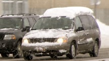 Flying ice and snow from car roofs: Hidden winter danger on the highway