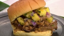 Al Roker's pineapple pulled pork sandwich: A taste of Hawaii