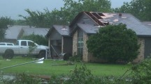 Tornadoes, flooding continue to hit Midwest: 'I was scared for my life'