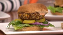 A sloppy joe without guilt or meat? Joy Bauer shows how!