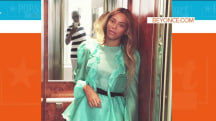 Mirror captures Jay Z photobombing his own pic of Beyonce