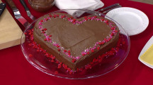 Easy Valentine's cakes and more: Food hacks to make the day special