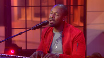 Soulful singer Tank performs 'You Don't Know'