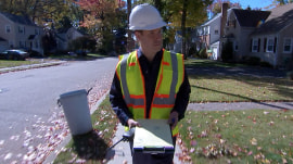 Burglars dressed as utility workers perform 'knock knock' robberies