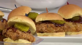 Barbecue chicken sliders: Al Roker cooks them to pack and go