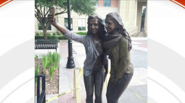 Texas city erects selfie statue: 'I'm embarrassed for everyone'