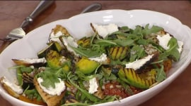 Meatless pasta, arugula salad: Curtis Stone shows you how