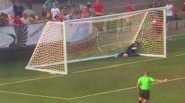 Watch Minnesota United's goalie score against his own team – with a throw!