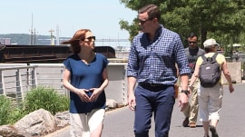 Web extra: Ellie Kemper doesn't like her pregnant belly touched