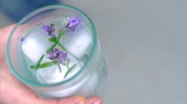 Fancy flower ice cubes you can make yourself