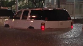 Midwest flooding: Search crews rescue stranded drivers, pedestrians