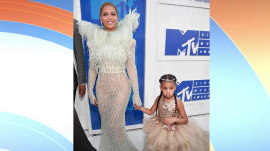 Blue Ivy's $11K dress, Kim Kardashian's post-baby body: Top VMA looks