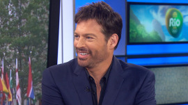 Harry Connick Jr. searches for Olympic spirit and the best 'Phelps face'