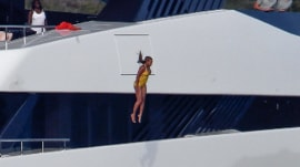 Beyonce looks before she leaps – off a 3-story yacht!