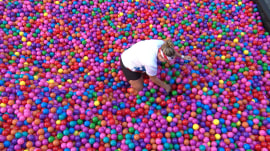 Can TODAY fan find gold ball worth $25,000 in giant ball pit?